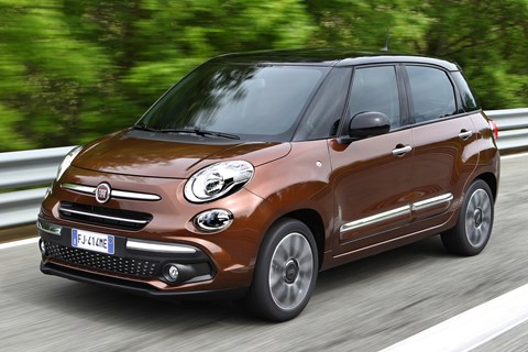 Fiat 500L Urban 2017 front tracking