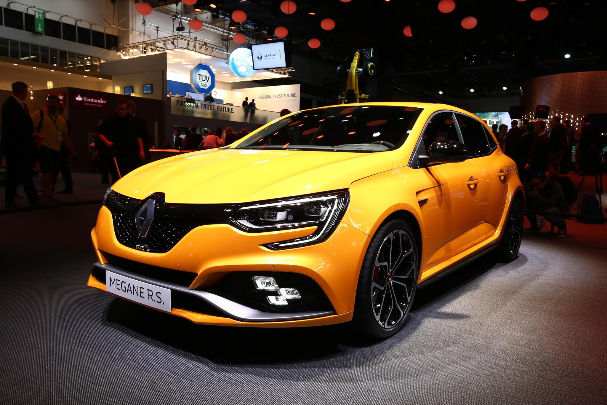 new 2018 renault megane rs price performance specs and more by car magazine. Black Bedroom Furniture Sets. Home Design Ideas