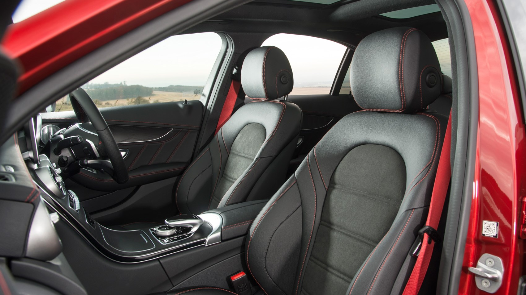 Mercedes-AMG C43 front seats
