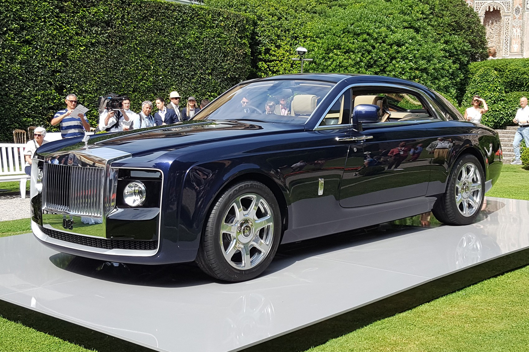 rolls royce sweptail 39 probably the most expensive car ever 39 by car magazine. Black Bedroom Furniture Sets. Home Design Ideas