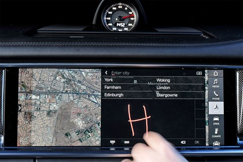 Porsche Advanced Cockpit: draw your address entry by hand