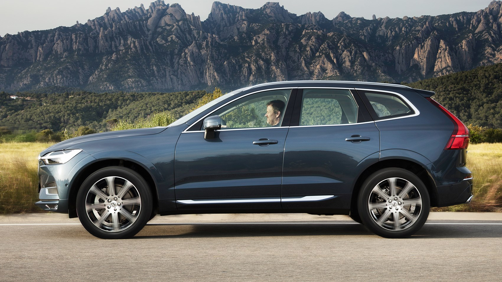 Excellent Volvo XC60 2017 Review By CAR Magazine