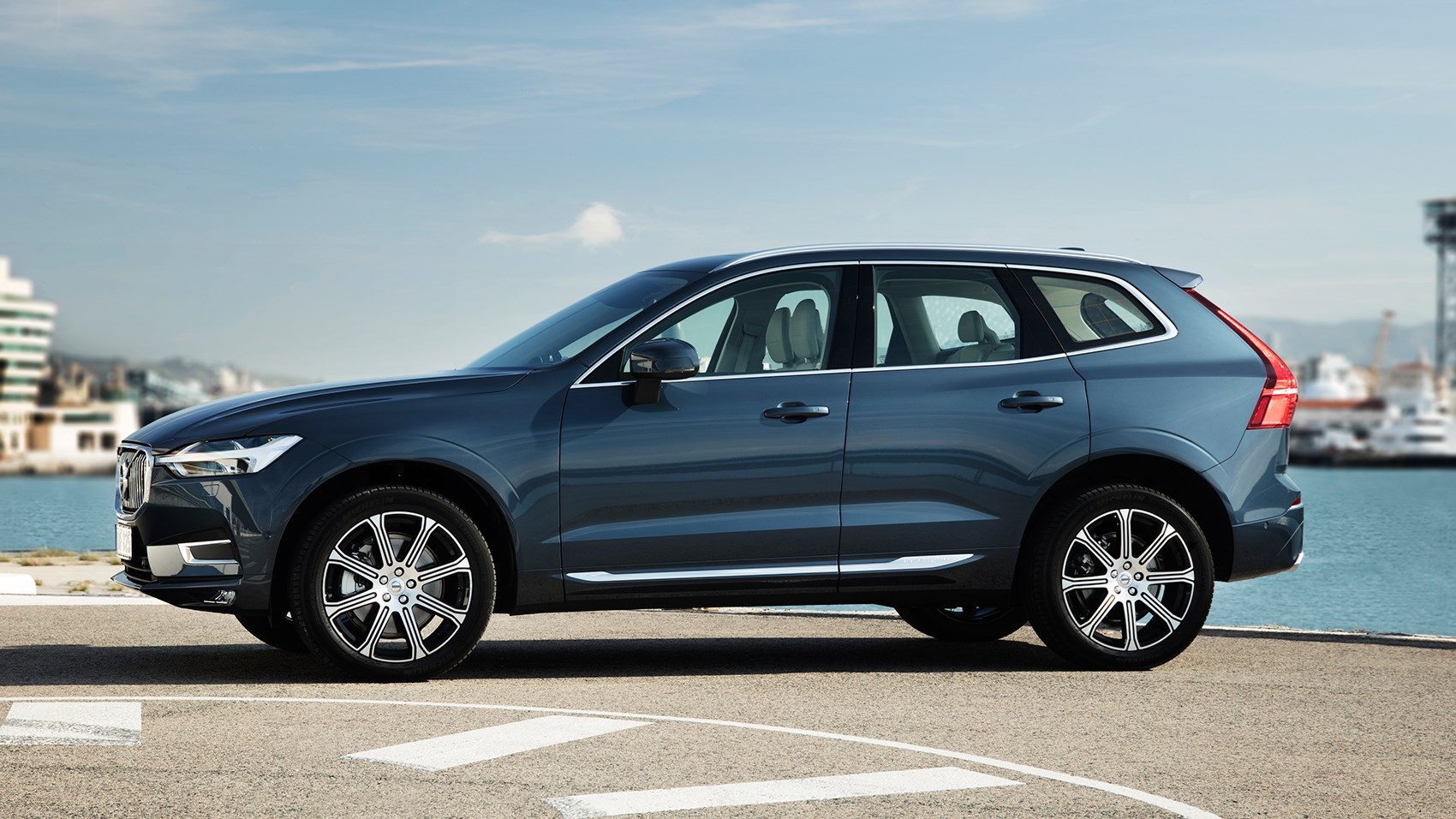 Volvo Xc60 Side Profile