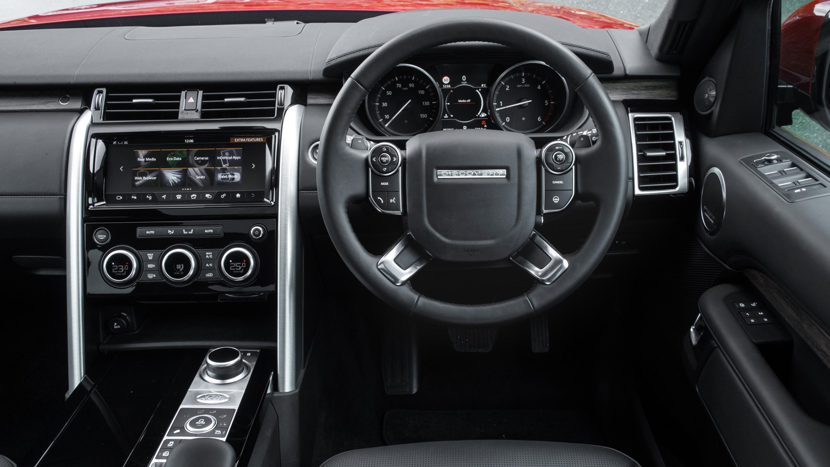 https://www.carmagazine.co.uk/Images/PageFiles/73162/LR_Discovery_sD4_03.jpg