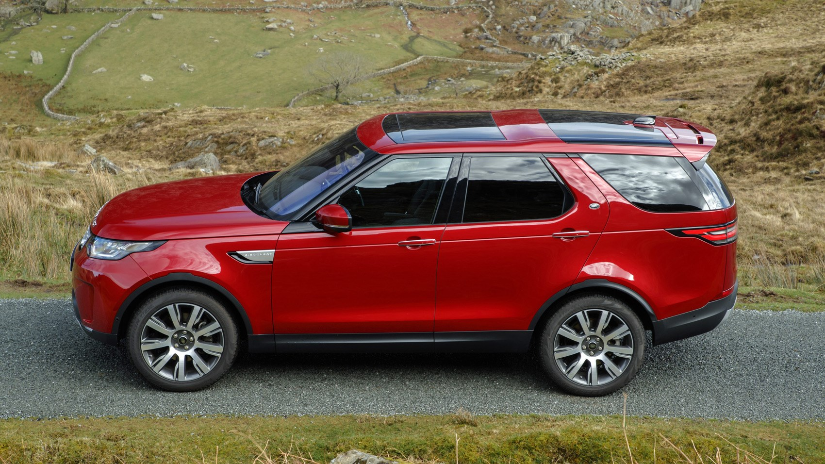 Land Rover Discovery Sd4 2017 Review Car Magazine