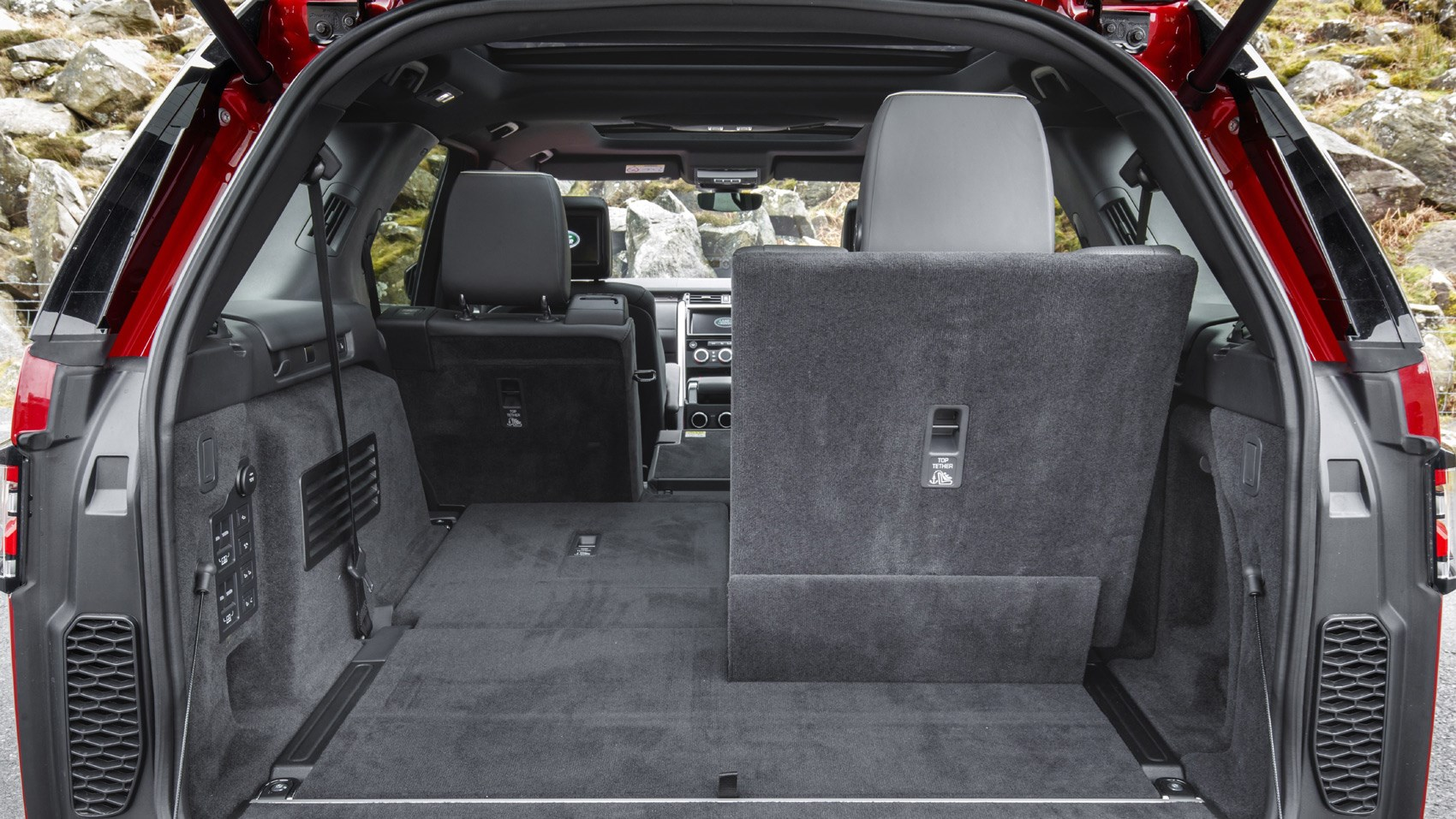 Land Rover Discovery sD4 boot seats down