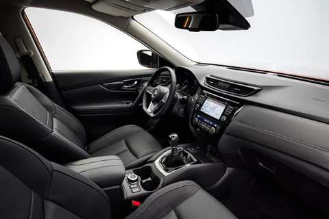 Nissan X-Trail 2017 interior
