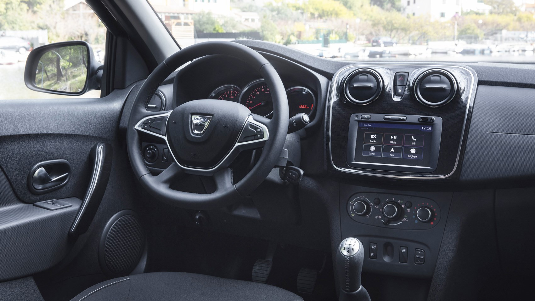 Dacia Logan Mcv Ambiance Dci 90 2017 Review Car Magazine