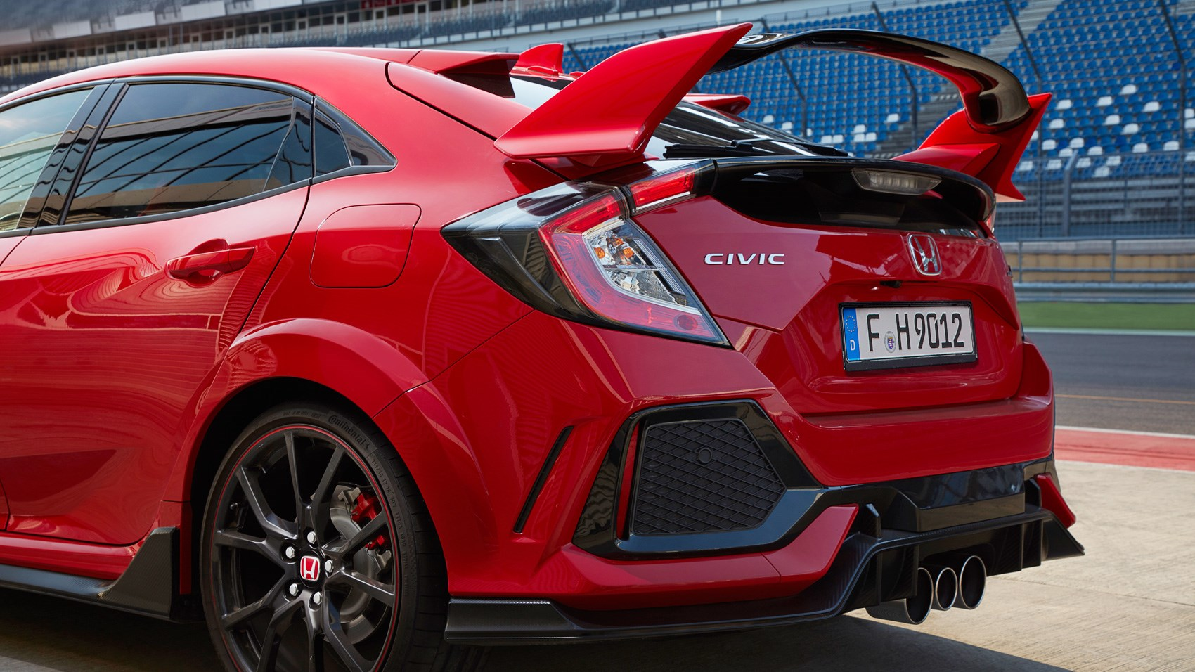 Honda Civic Type R 2017 review by CAR Magazine