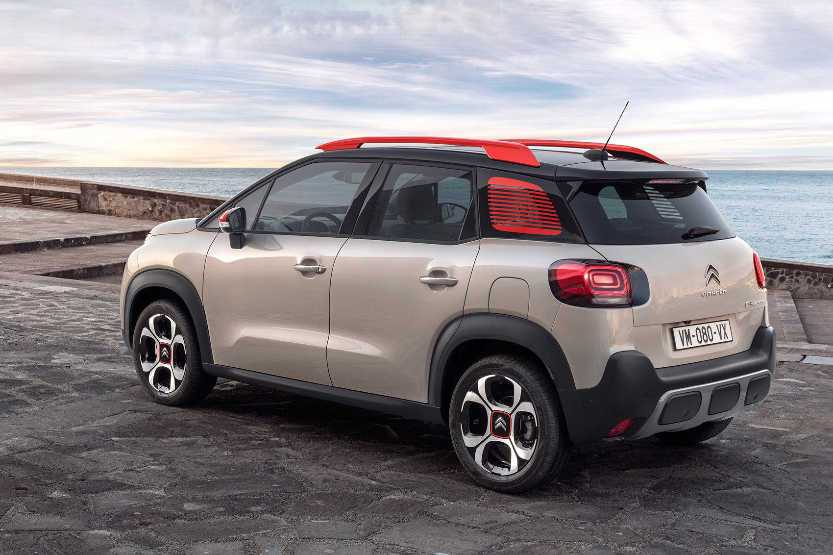 Citroen C3 Aircross pictures specs and info