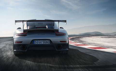 Huge rear wing on new 991.2 GT2 RS