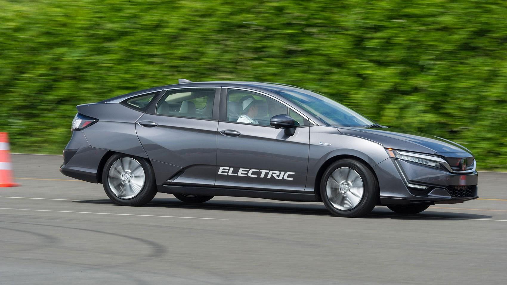 honda clarity reviews electric vs hybrid vs hydrogen tech test 2017 car magazine. Black Bedroom Furniture Sets. Home Design Ideas