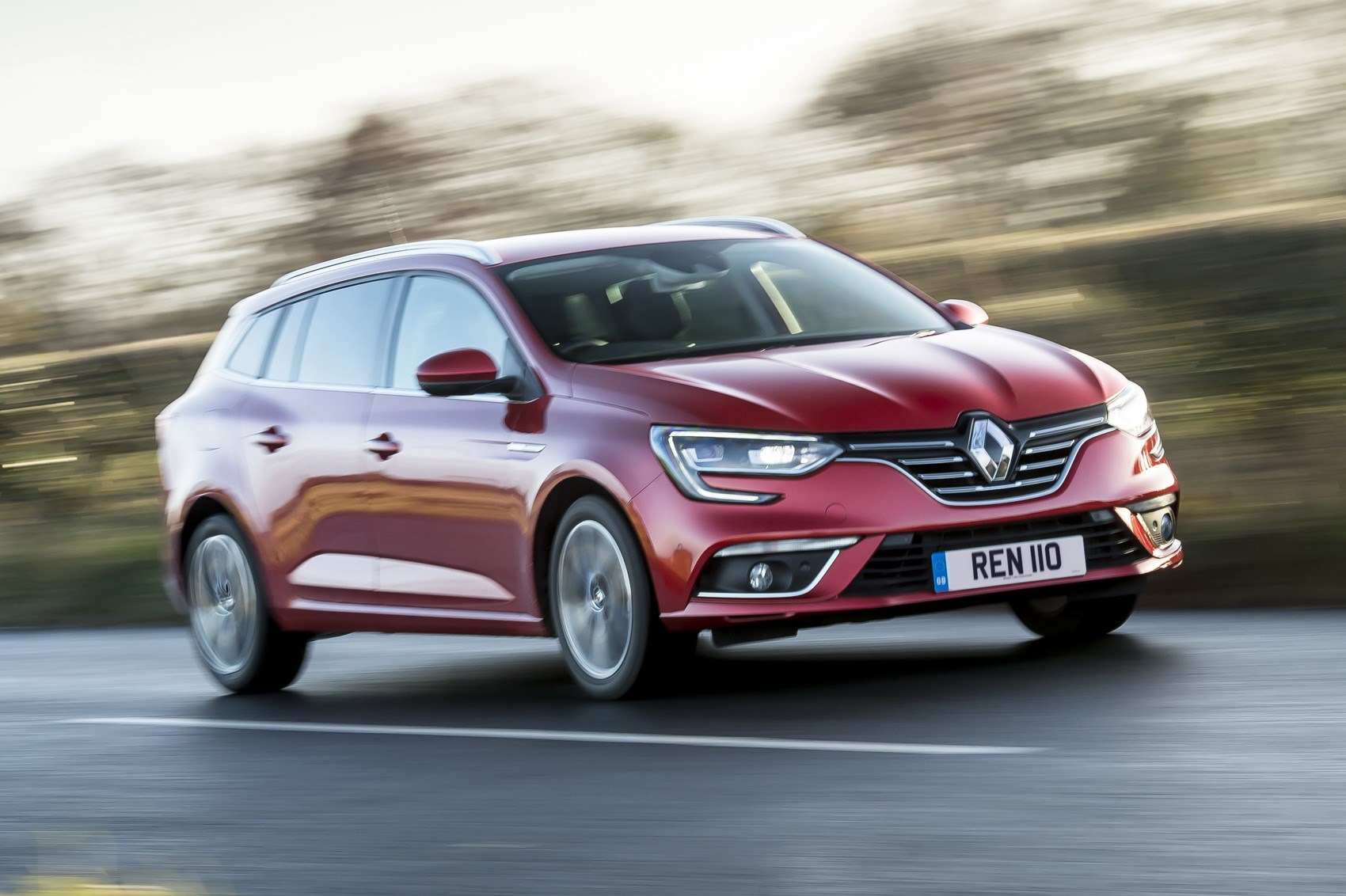 Renault Megane Sport Tourer estate (2017) review | CAR ...