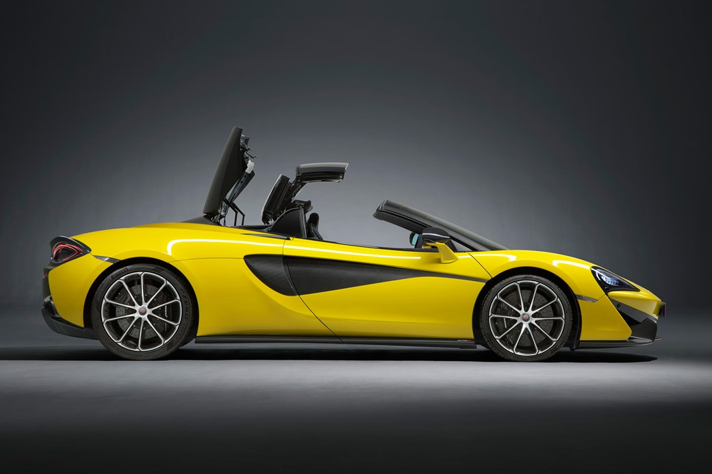 McLaren 570S Spider roof mechanism