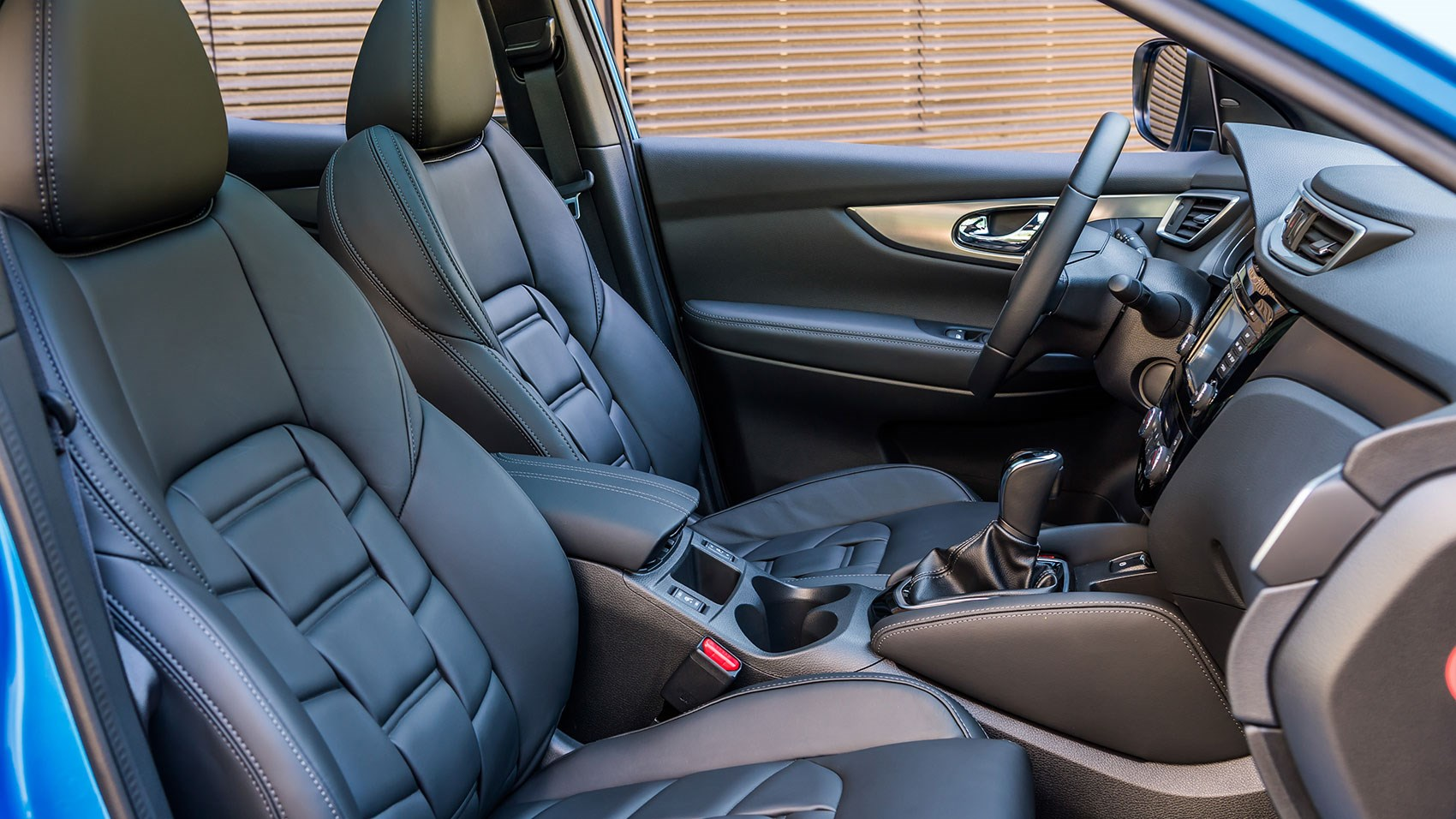 Front seats with new plaited leather on Tekna+ spec of new 2017 Nissan Qashqai
