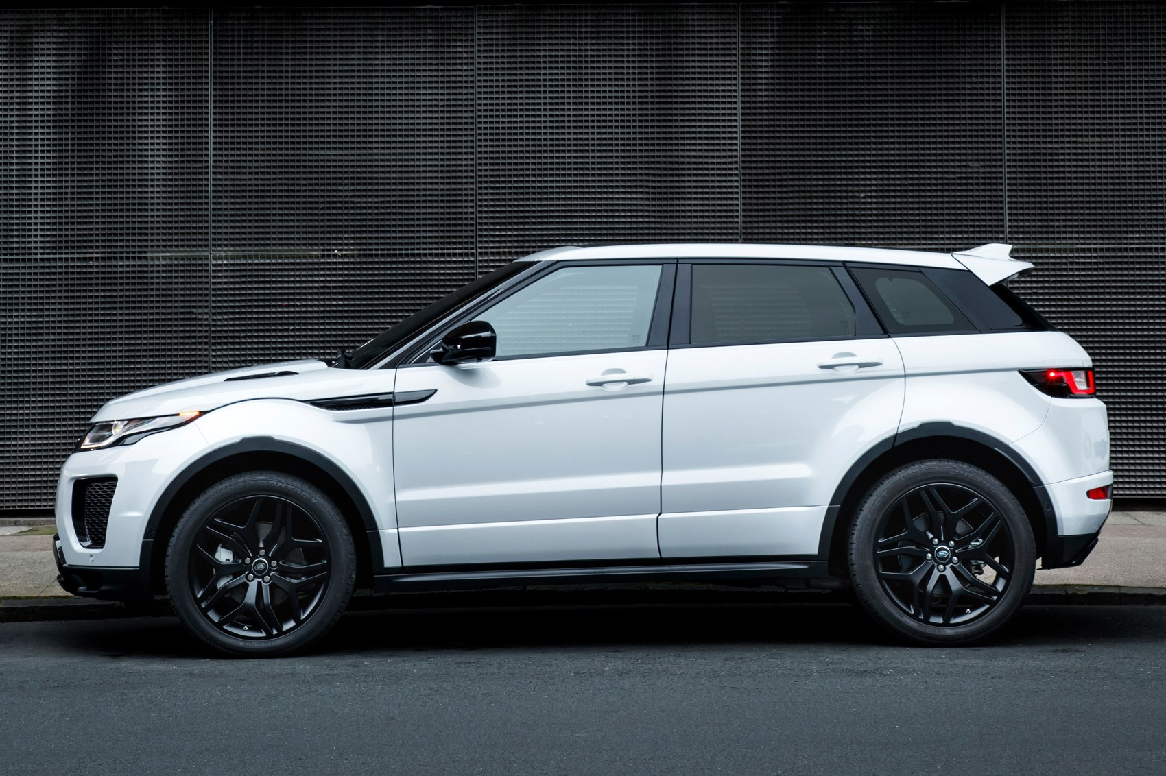Hot Evoque Anyone Land Rover Introduces Performance