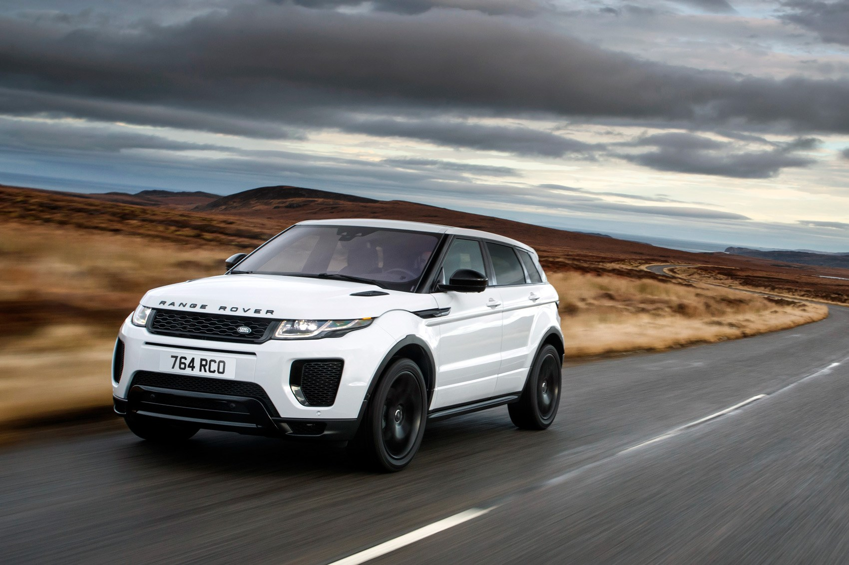 hot evoque anyone land rover introduces performance. Black Bedroom Furniture Sets. Home Design Ideas