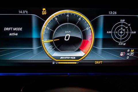 Mercedes-AMG E63 S drift mode dials