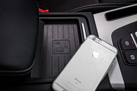 Audi Q5 LT phone charging