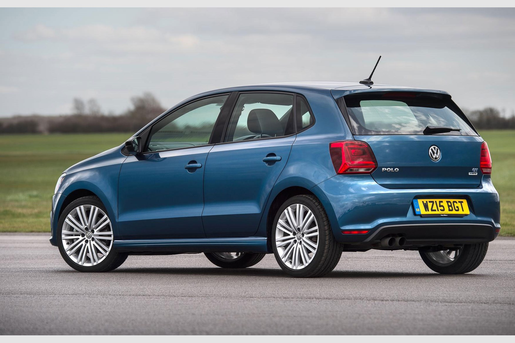 vw polo 2018 in pictures by car magazine vw golf gti manual review vw golf gti manual 2017