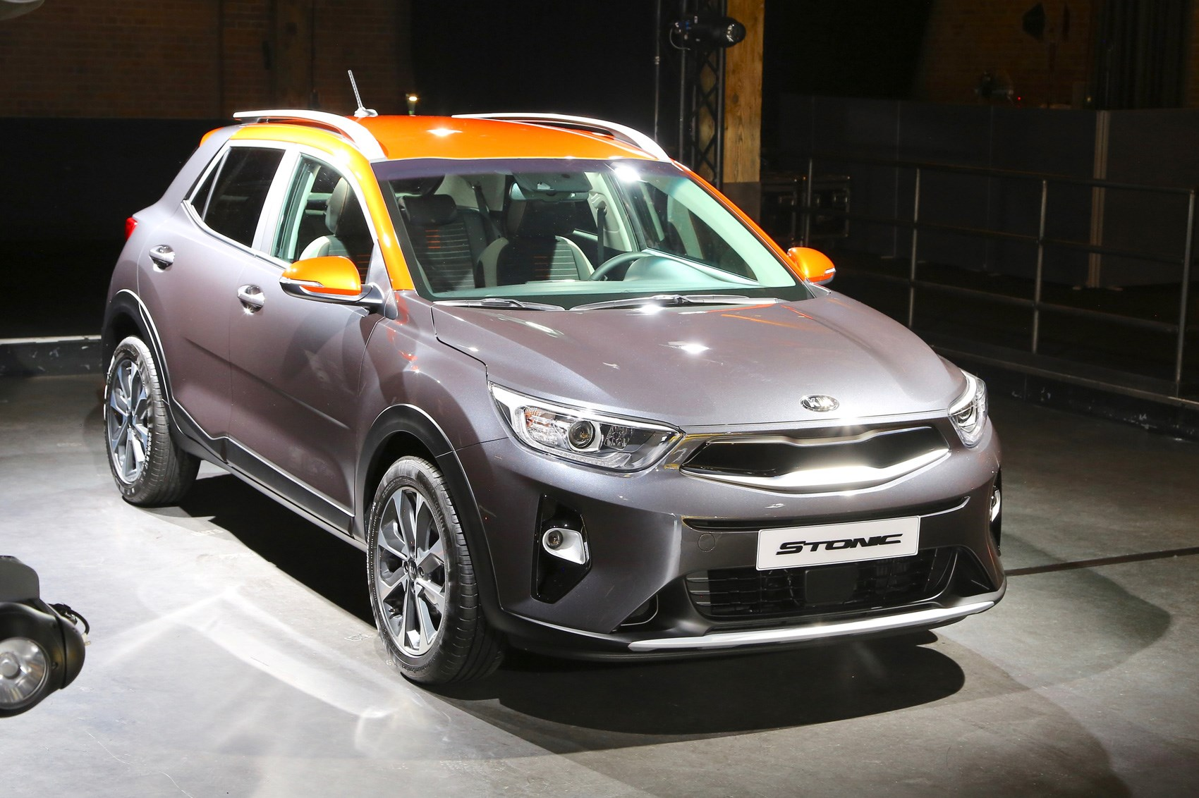 stonic boom new kia stonic joins the compact crossover club by car magazine. Black Bedroom Furniture Sets. Home Design Ideas
