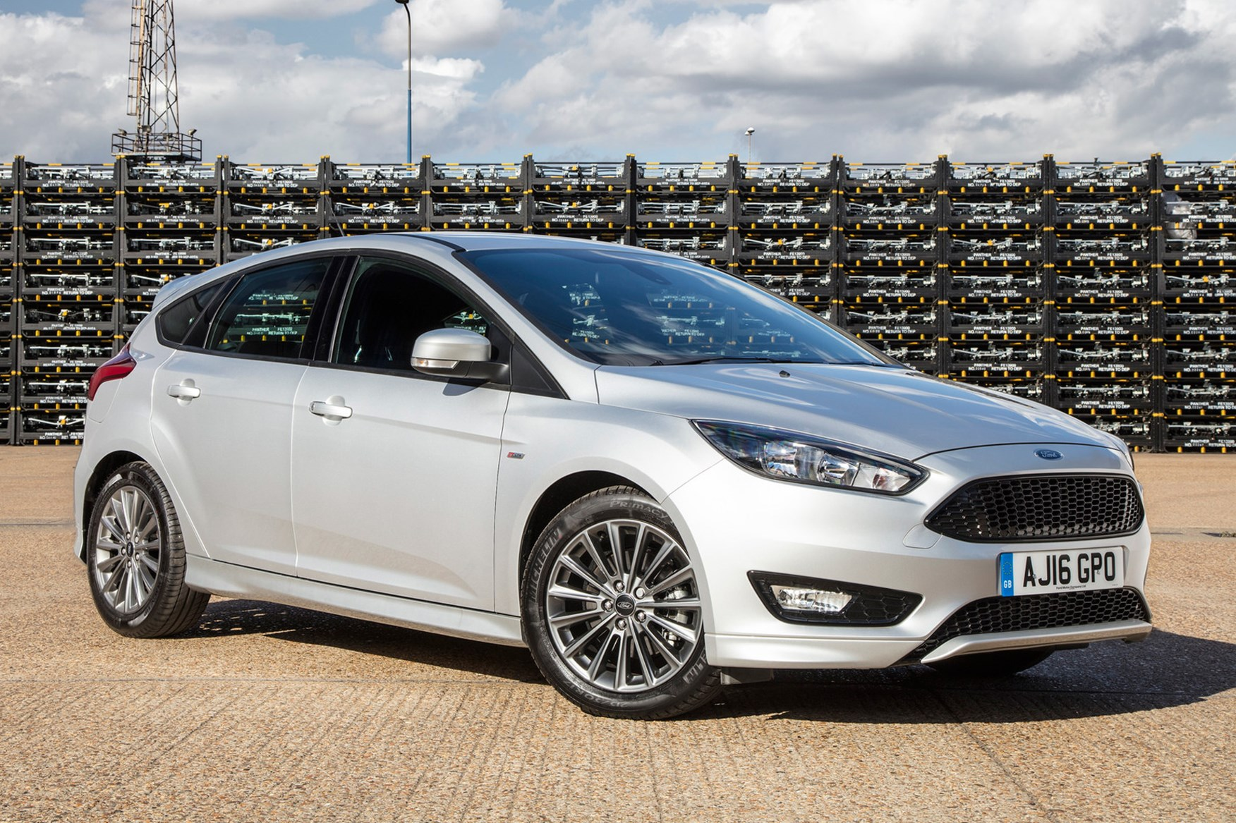 Ford Focus ST-Line (2017) review by CAR Magazine