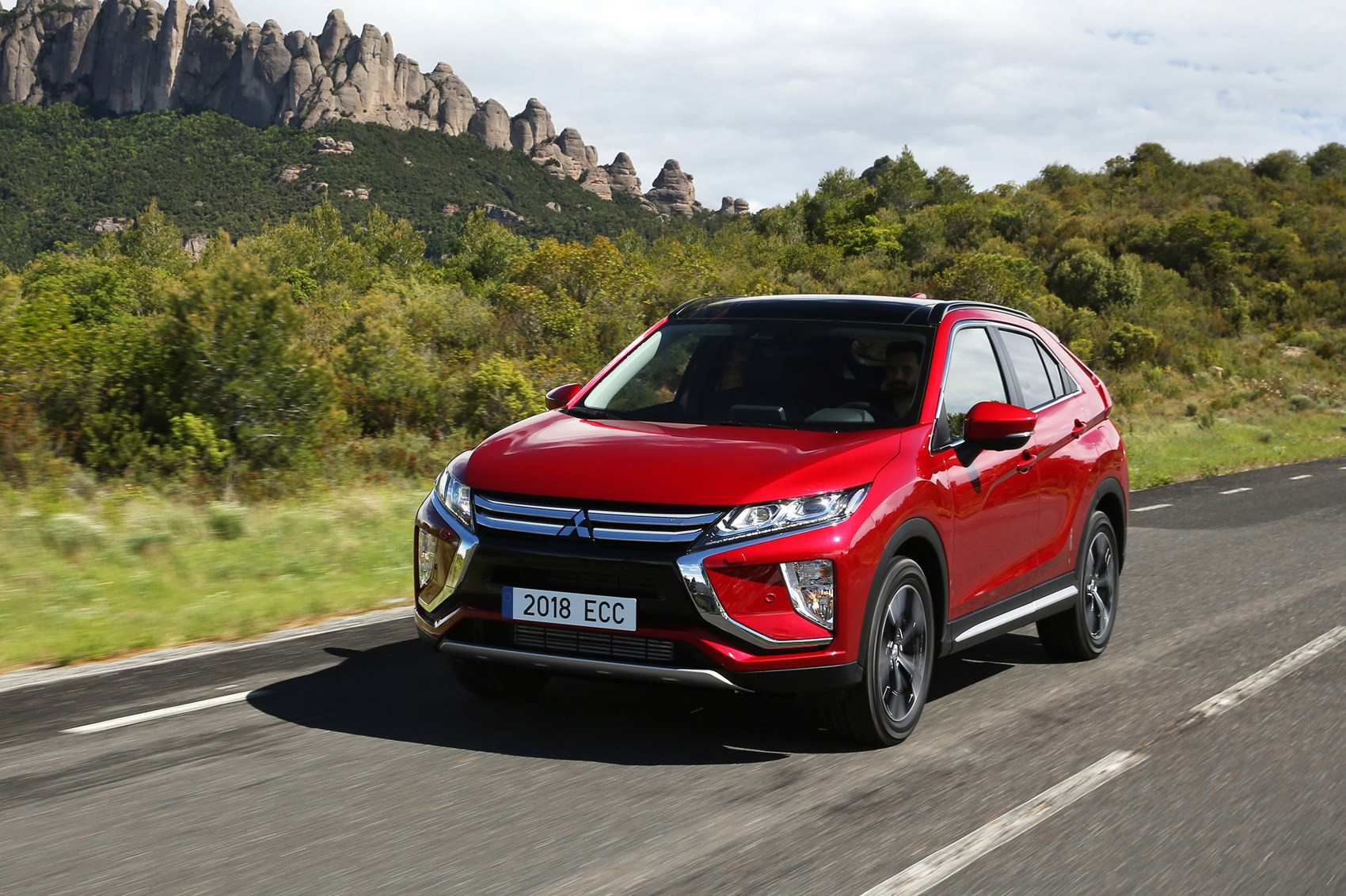Mitsubishi Eclipse Cross 1.5 4WD CVT (2017) review | CAR ...