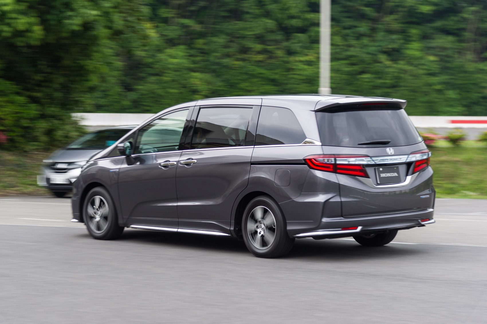Testing Hondas Future Hybrid Drive We Try The New Two Motor System Honda Odyssey Suspension Diagram Tested In A Mpv Based Test Mule At Tochigi