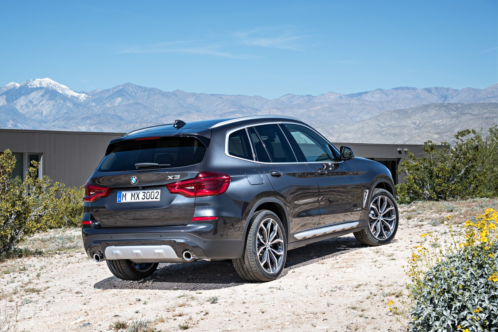 new bmw x3 suv revealed munich 39 s photocopier is working fine by car magazine. Black Bedroom Furniture Sets. Home Design Ideas