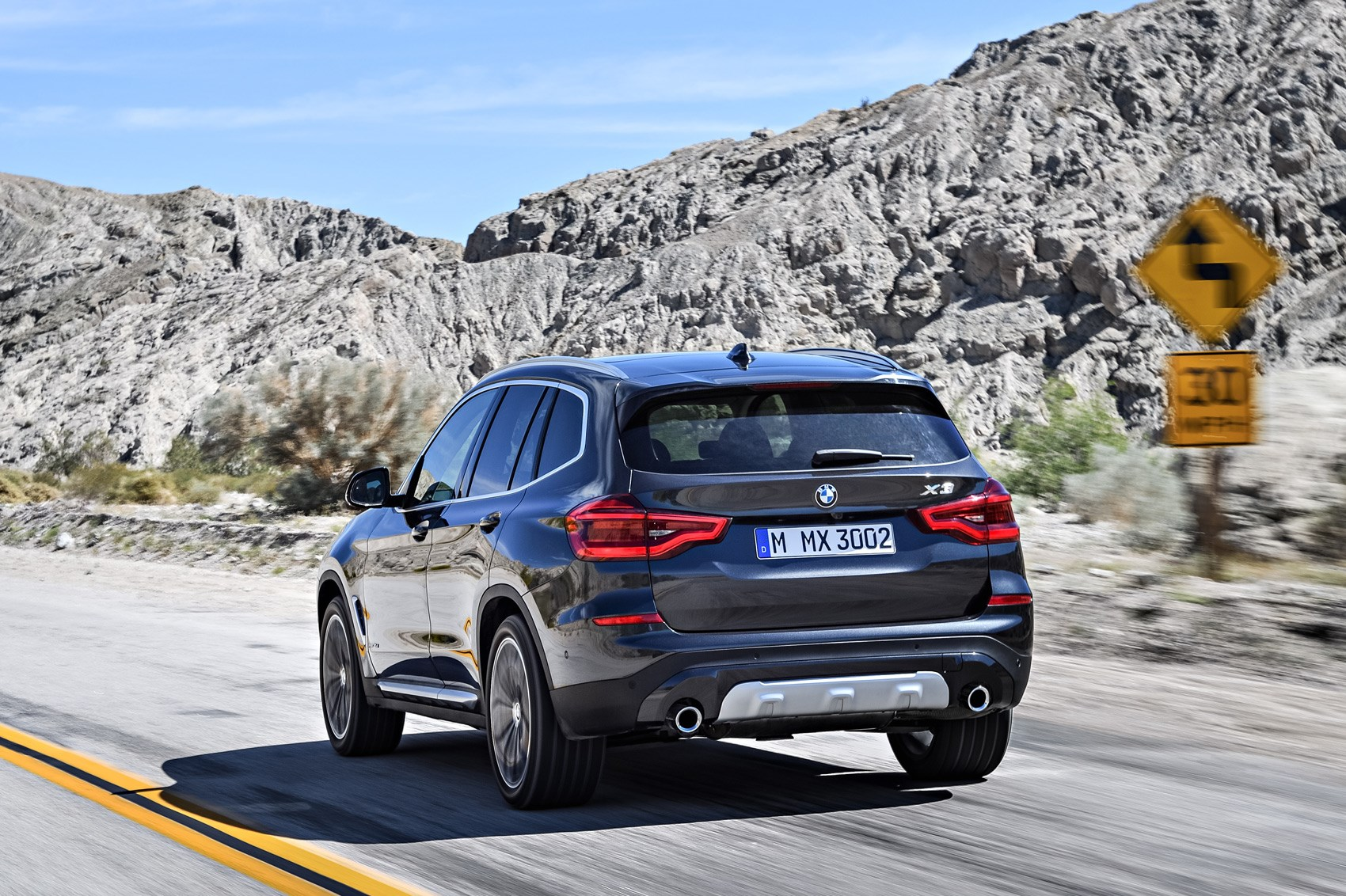 new bmw x3 suv revealed munich 39 s photocopier is working fine car magazine. Black Bedroom Furniture Sets. Home Design Ideas