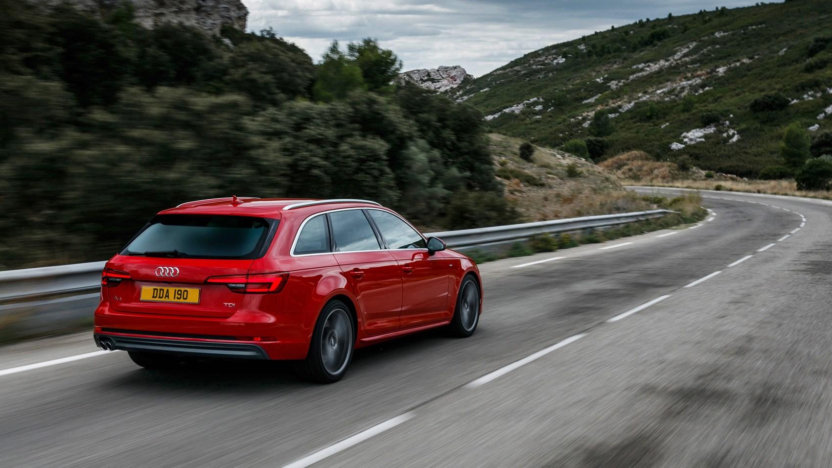 Audi A4 Avant rear tracking