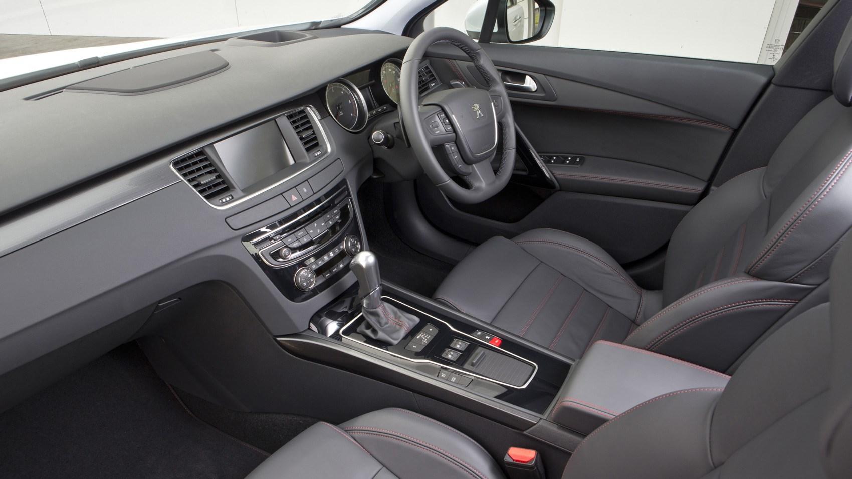 Peugeot 508 Gt Saloon 2017 Review Car Magazine Skoda Octavia 3 Fuse Box Interior