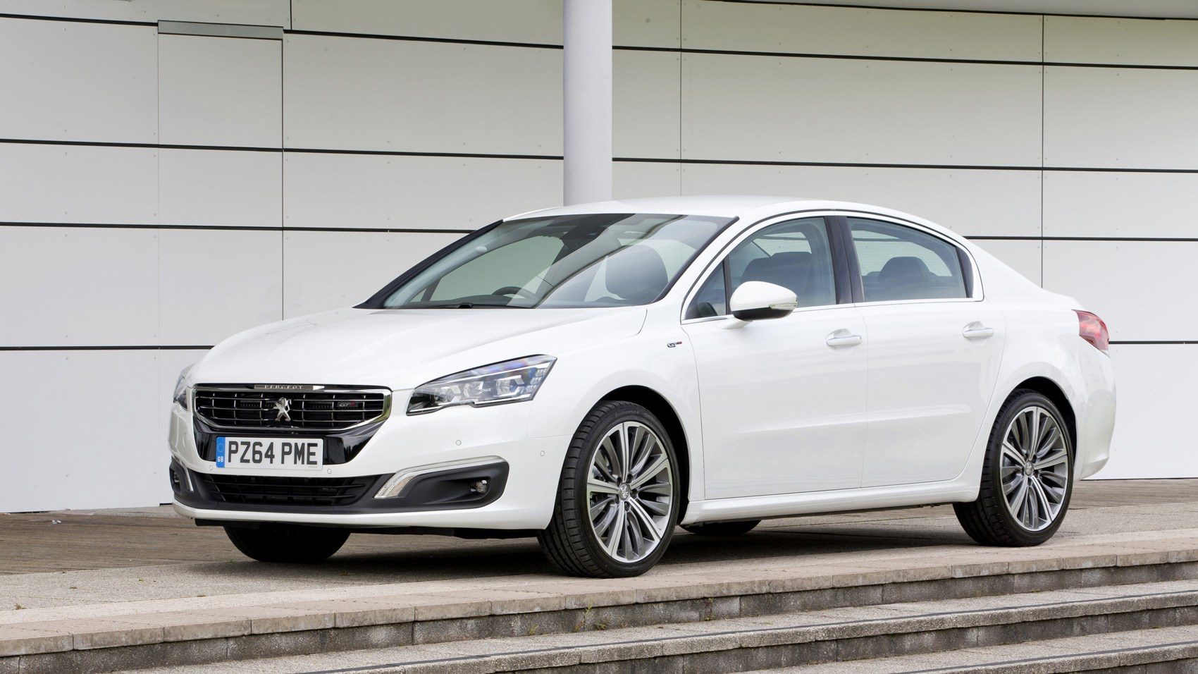 Peugeot 508 Gt Saloon 2017 Review Car Magazine
