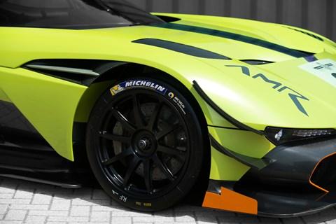 Aston Martin Vulcan AMR Pro wheelk