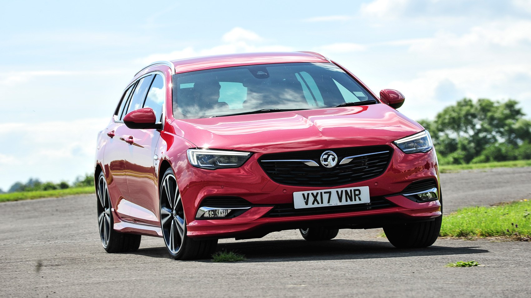 Vauxhall Insignia Sports Tourer front cornering