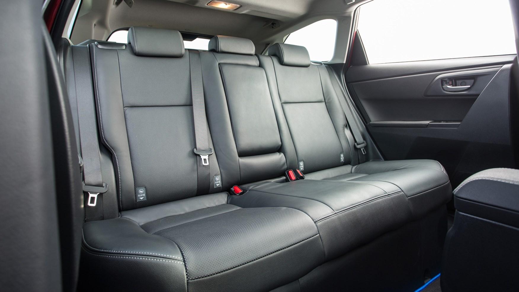 Toyota Station Wagon >> Toyota Auris Hybrid Touring Sports (2017) review by CAR Magazine