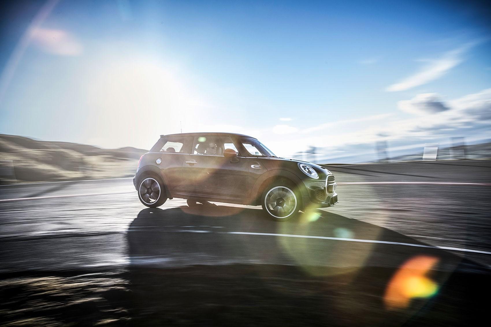 Vw Golf Gti Vs Peugeot 308 Gti Vs Mini Jcw Triple Test Review 2017