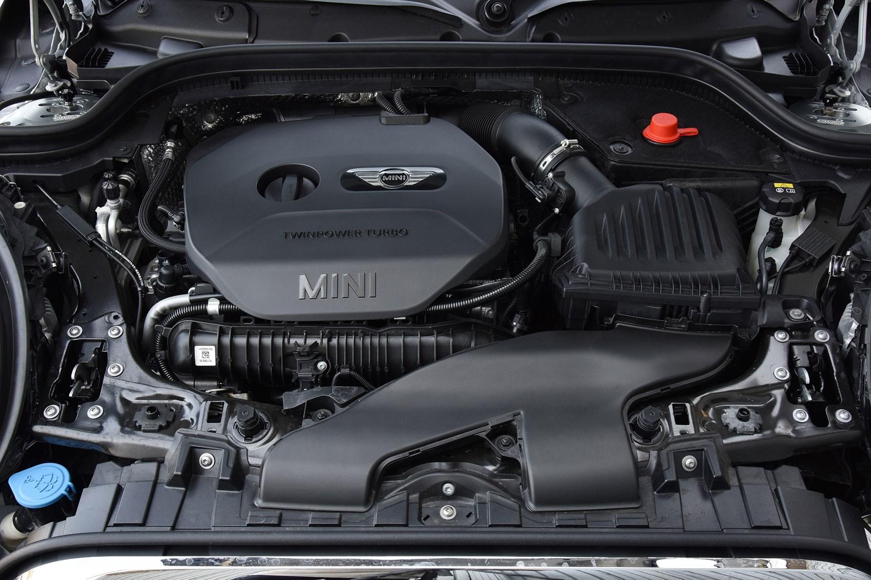 VW Golf GTI vs Peugeot 308 GTI vs Mini JCW triple test review (2017 ...