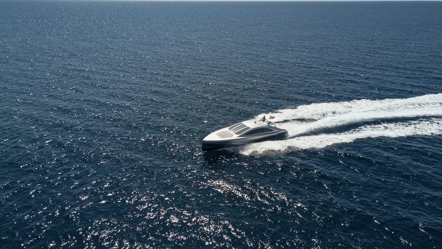 Mercedes Silver Arrow Marine Yacht: the £2 million 460-Granturismo at sea