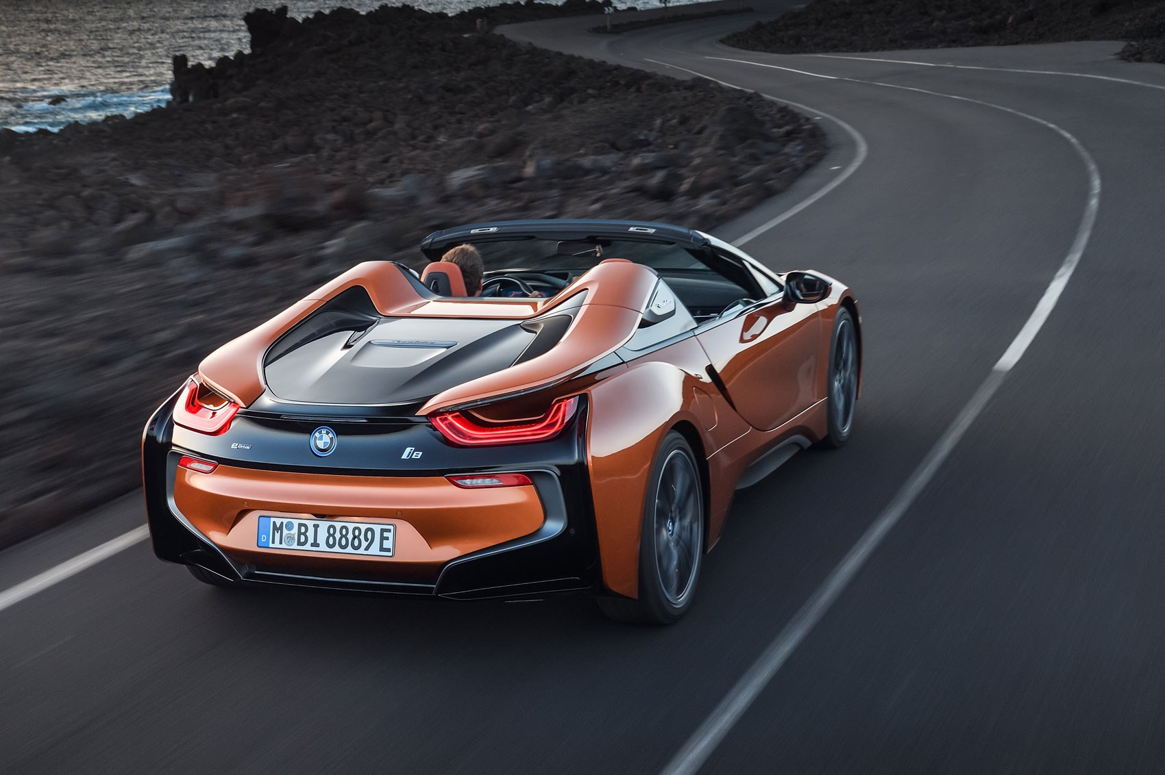 The New Bmw I8 Roadster Unveiled At 2017 Los Angeles Auto Show