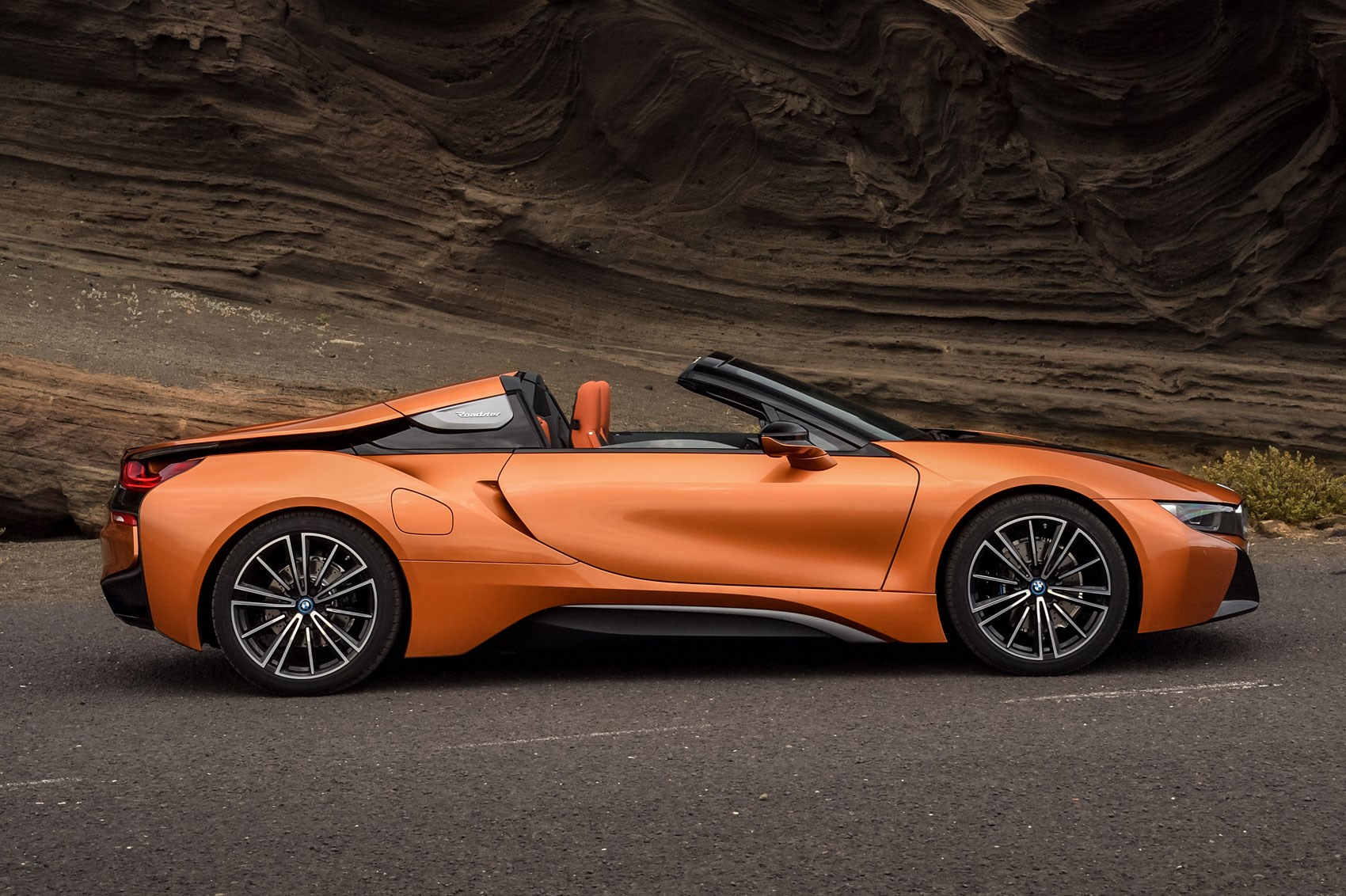 Soft Top Super Hybrid 2018 Bmw I8 Roadster Revealed By