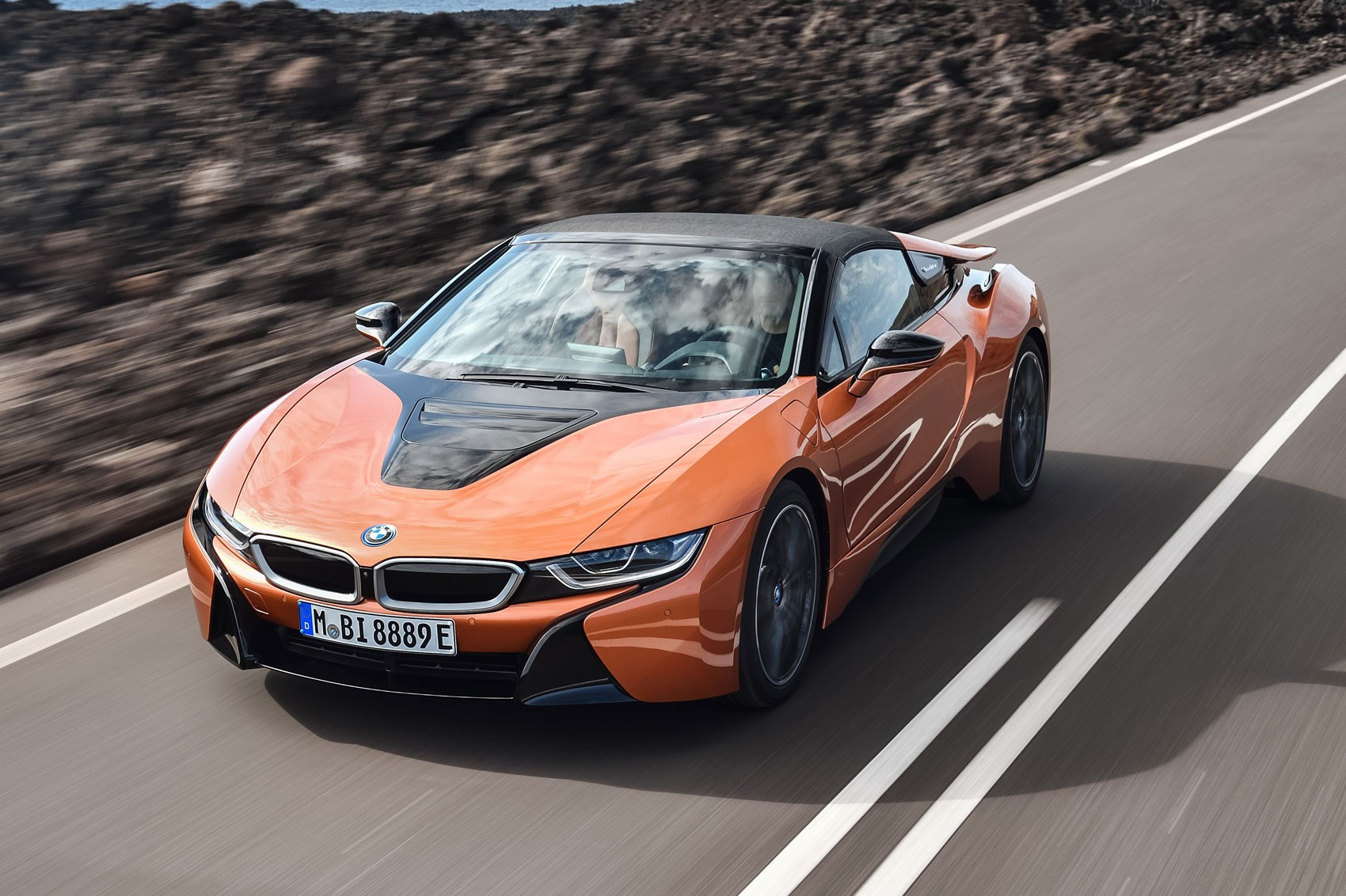 soft top super hybrid 2018 bmw i8 roadster revealed by car magazine. Black Bedroom Furniture Sets. Home Design Ideas