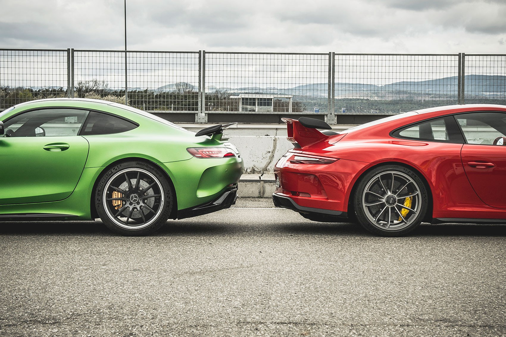 mercedes amg gt r vs porsche 911 gt3 twin test review 2017 by car magazine. Black Bedroom Furniture Sets. Home Design Ideas