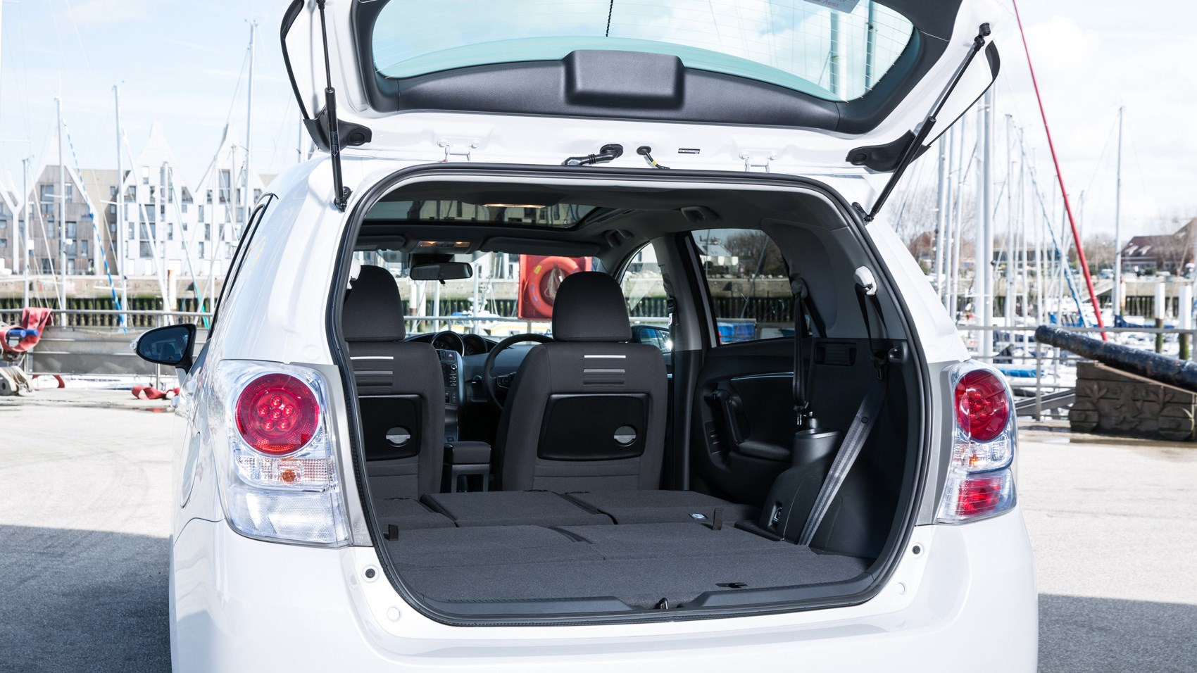Toyota Verso boot seats down