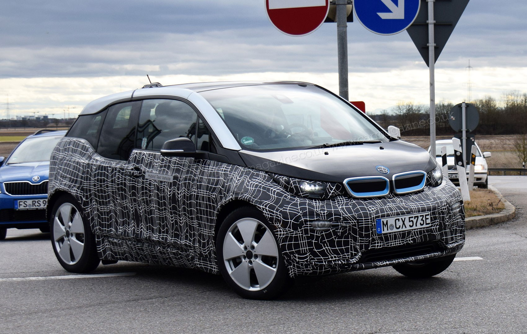 bmw i3 2017 facelift spy photos and specs by car magazine. Black Bedroom Furniture Sets. Home Design Ideas
