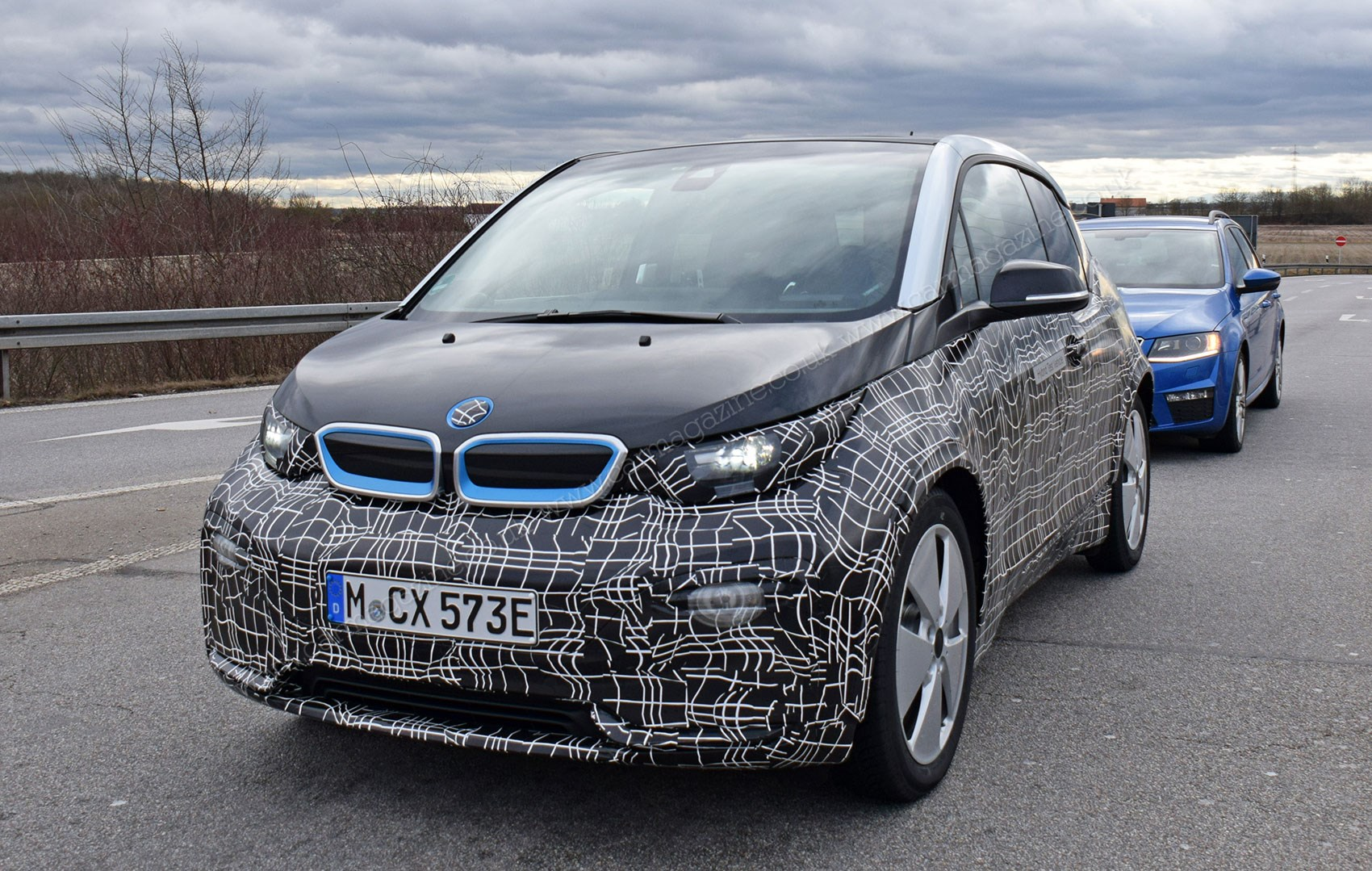 bmw i3 2017 facelift spy photos and specs car magazine. Black Bedroom Furniture Sets. Home Design Ideas
