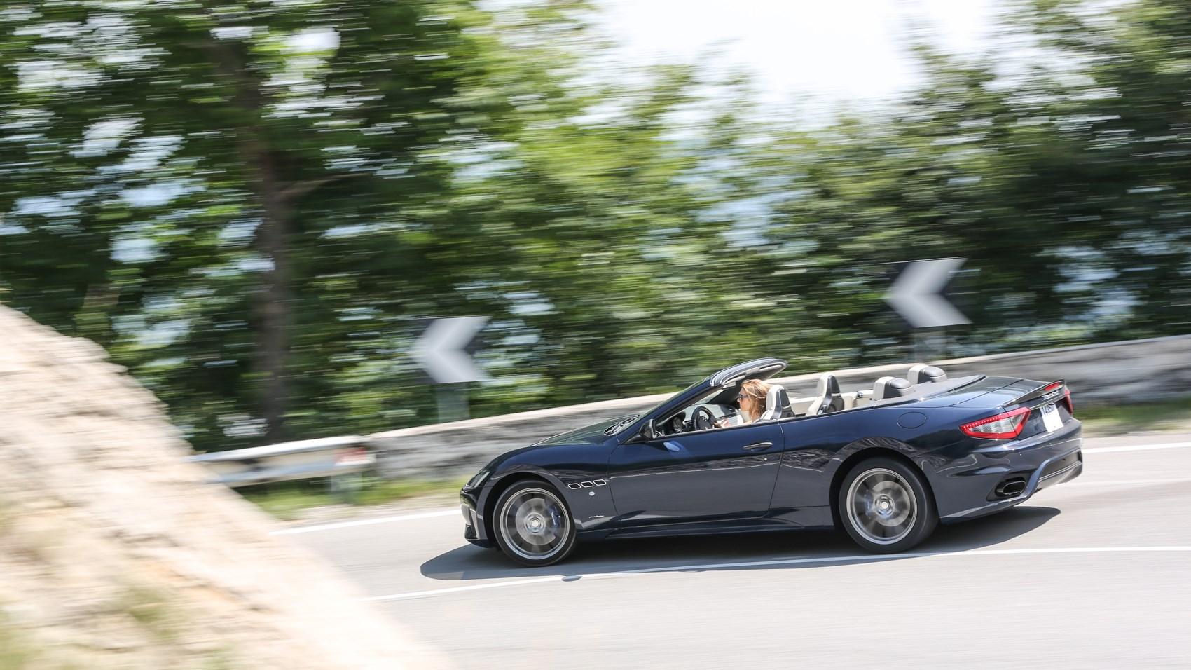 Maserati GranCabrio side panning