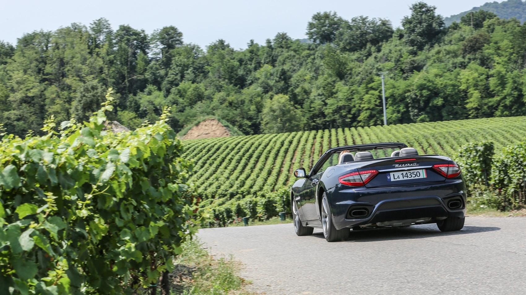 Maserati GranCabrio rear cornering