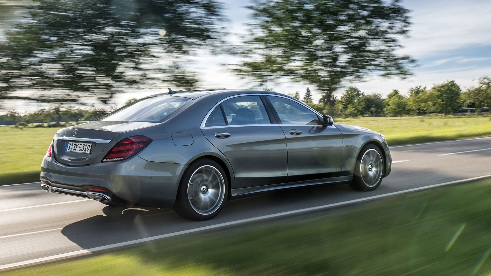 Mercedes benz s500 l 2018 review too clever for its own for Mercedes benz s500