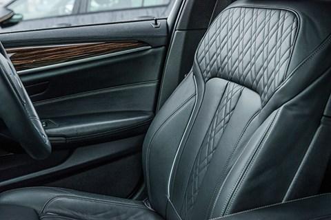 BMW 530d xDrive seat